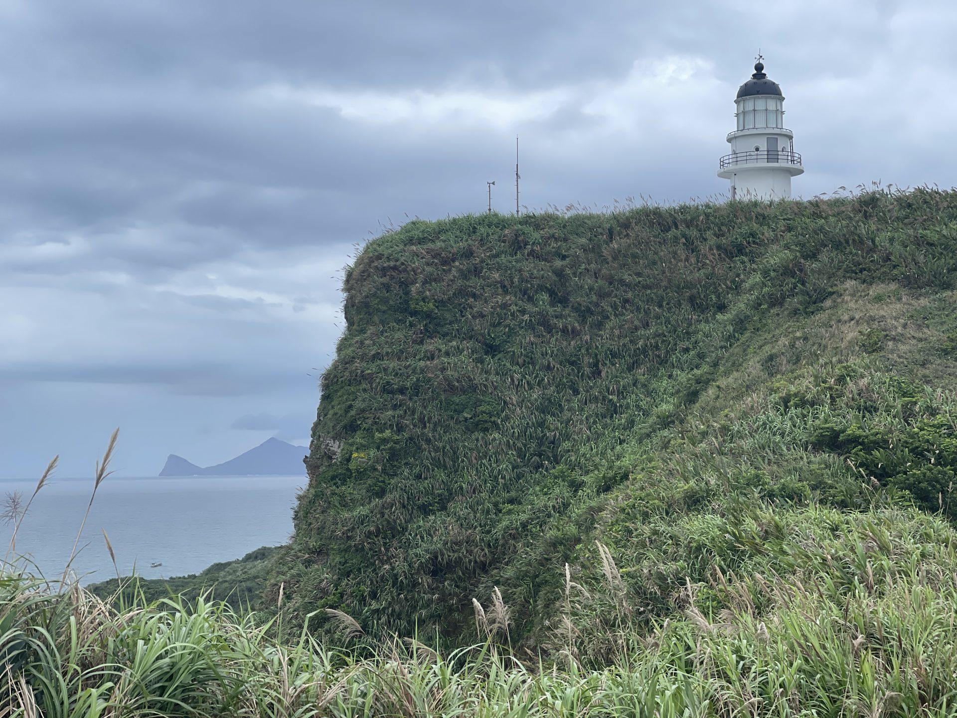馬崗位於台灣最東邊,站在台灣最東處的角落,是可以直接眺望到龜山島的,而這裡也是每年跨年迎接台灣第一道曙光的聖地。